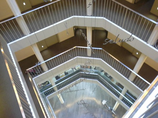 Sercotel Amister Art Hotel : Distribuidor pasillos, espectacular, original