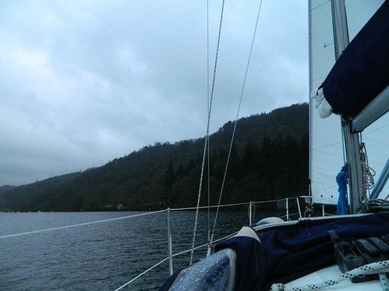 Sail 'n' Dine : Saling around the lake