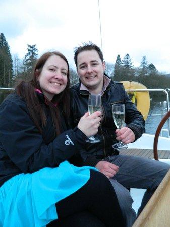 Sail 'n' Dine : A little presecco to celebrate