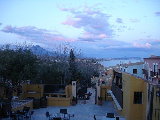 Pueblo Acantilado Suites: Blick Richtung Benidorm
