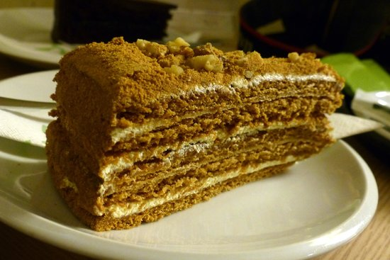 Greentree Café: Delicious Medovec Cake