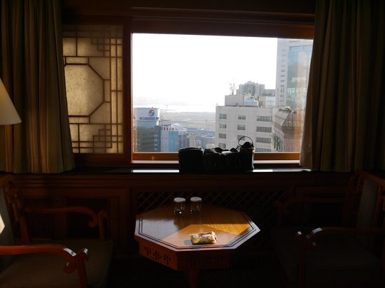 Hotel Commodore Busan : 部屋もゆったりと広い!