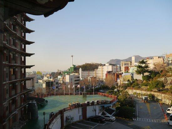 Hotel Commodore Busan : 部屋からの眺め
