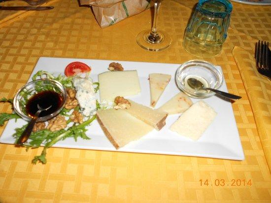 Ristorante da Buzzanca : formaggi misti davvero ottimi,