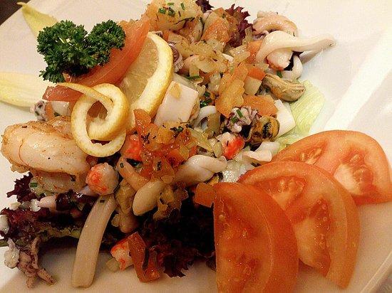 Cafe de Paris : Interlaken - Café de Paris - salade aux fruits de mer