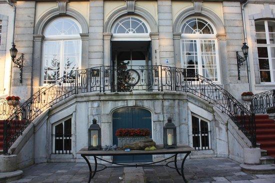 Kasteel Bloemendal: Ingang hotel
