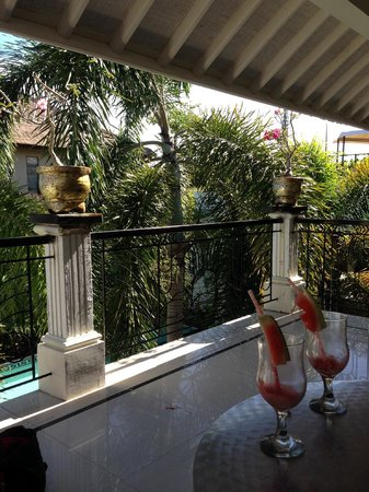Casa Artista Bali: On the Balcony outside the first floor room