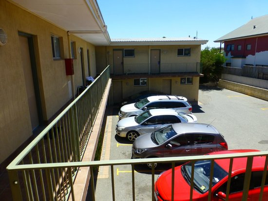 Ocean View Motel : Blick auf den Parkplatz