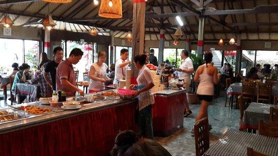 Mentari restaurant: Во время обеда