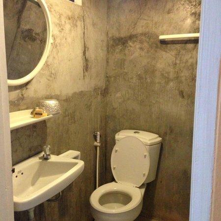 Banilah: bathroom