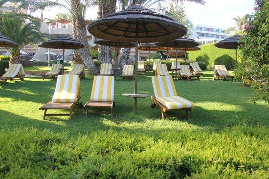 Four Seasons Hotel : зона отдыха