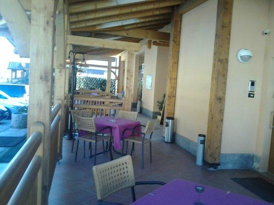 Hotel Job: veranda ingresso