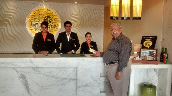 Lemon Tree Premier: Smiling staff at reception