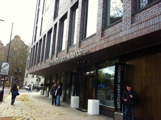 H10 London Waterloo: Entrada del Hotel