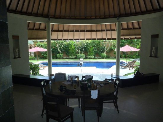 The Kunja Villas & Spa : Dining area