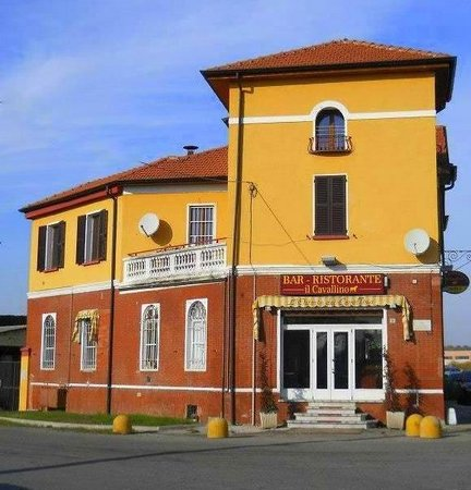 Bressana Bottarone, Itálie: Osteria il Cavallino Via Pavia 73, angolo Matteotti 2