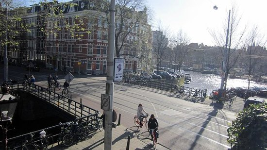 BackStage Hotel Amsterdam: View from single room - Spring