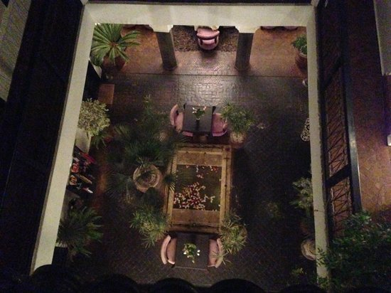 Ryad Amiran : Looking down into the courtyard