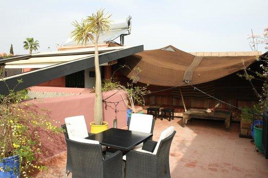 Ryad Amiran : Roof top terrace