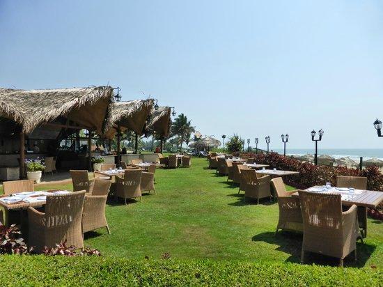 Taj Exotica Resort & Spa Goa : restaurant de plage