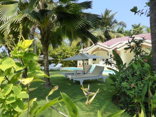 Taj Exotica Resort & Spa Goa : villas privées  piscine