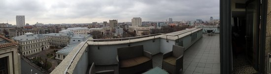 Golden Tulip Victoria - Bucharest: terrace view