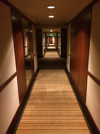 The Langham, Hong Kong: Corridor