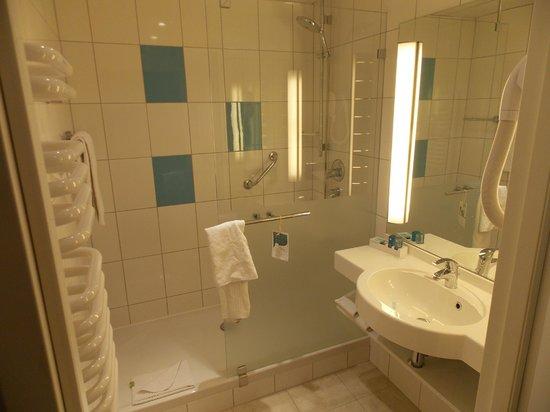 Novotel Krakow City West: Banheiro