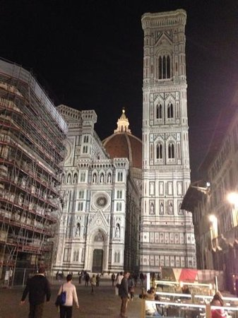 Hotel Laurus al Duomo : Just a block away is the Duomo