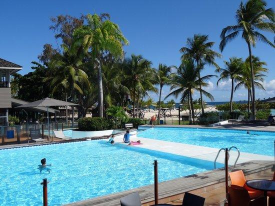 La Creole Beach Hotel: Les piscines