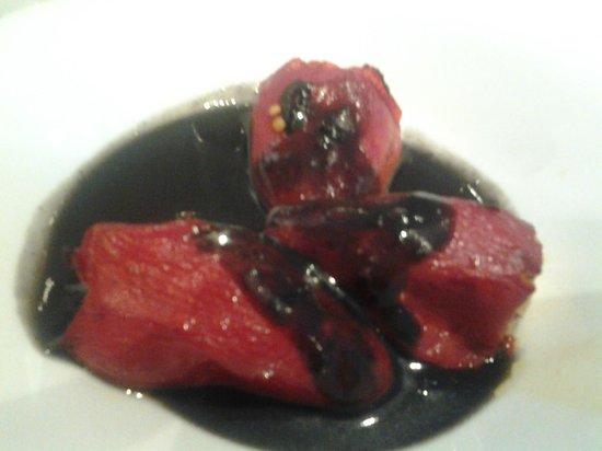 Formela: Pimientos rellenos de marisco, en salsa de chipirones.