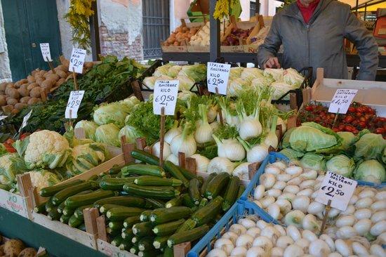 Mercado de Rialto: Овощи на рынке Риальто