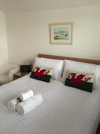 Langland Road B&B : Comfy Double Bed