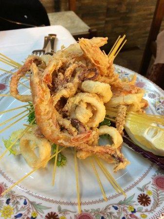 Zi Catari: Il fritto calamari e gamberi