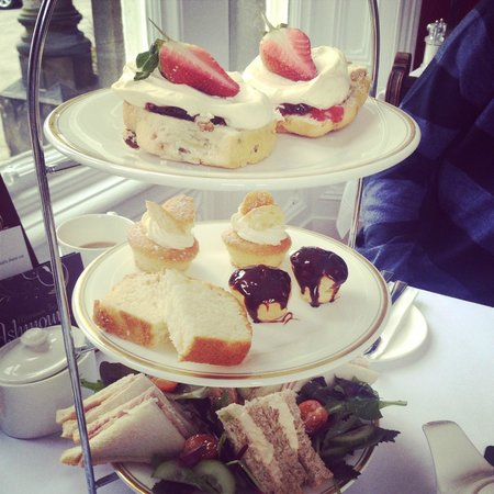 Ashmount Country House: Afternoon tea