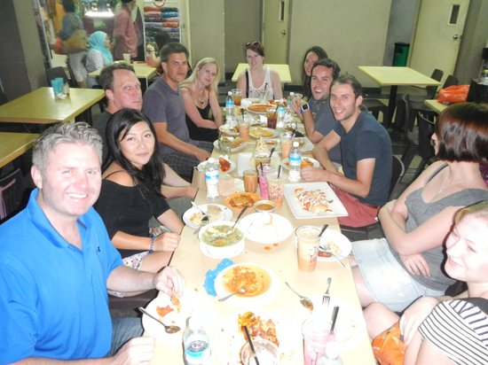 Betel Box Hostel: Food walk