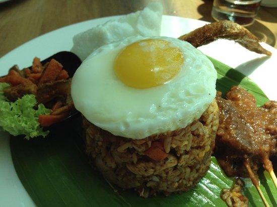 "Ramada Plaza Dua Sentral Kuala Lumpur: Delicious ""kampung"" fried rice."