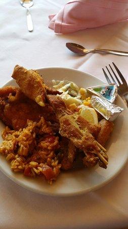 Marconfort Beach Club Hotel : Buffén skiljde sig inte så mkt ifrån dag till dag, men maten var bra och man fick alltid ihop en