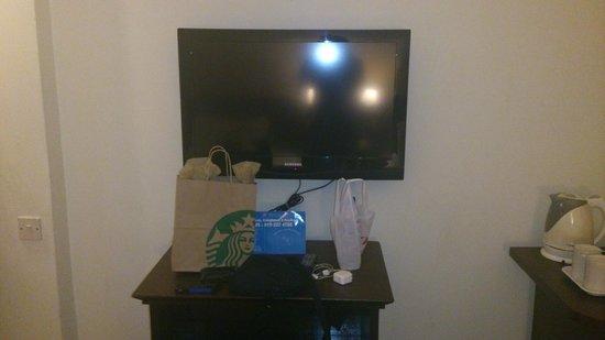 Prescott Hotel Kuala Lumpur - Medan Tuanku : Big TV