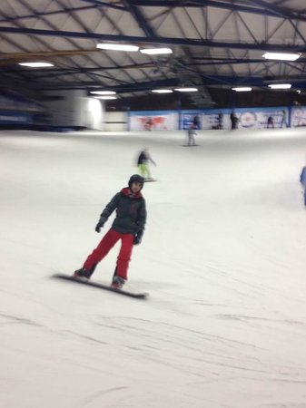 SnowDome, Tamworth. Learn to Snowboard in a Day!