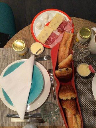 Le 1er Etage Marais: Breakfast