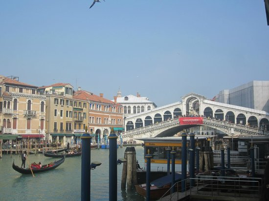 Hotel Marconi : View of hotel from across grand canal