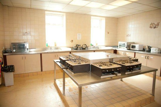 Hutt Hostel: large self catering communal kitchen