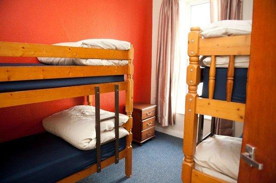 Hutt Hostel: Dorm in The Padd