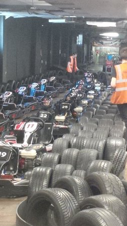 Team-Sport Camberley: In the pits