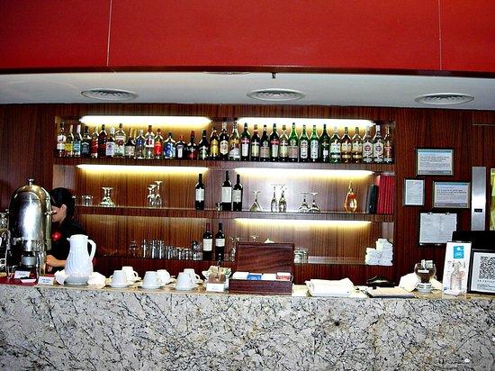 Hotel Tryp Buenos Aires: Bar del comedor