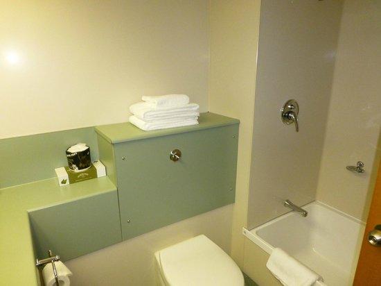 Distinction Luxmore Hotel: Badezimmer
