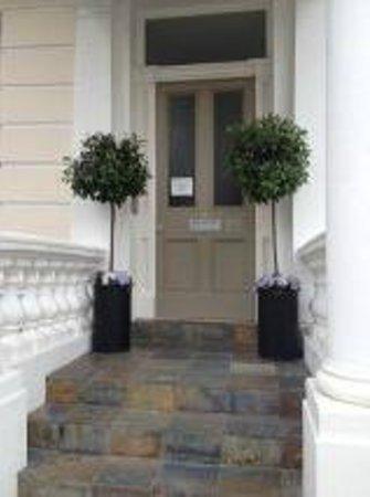 Princes Square Serviced Apartments: ingresso hotel