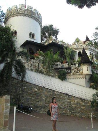 Tropicana Castle Resort: edifice of hotel tropicana