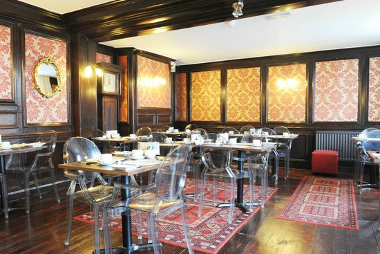 House of Agnes: Our beautiful and historic breakfast room